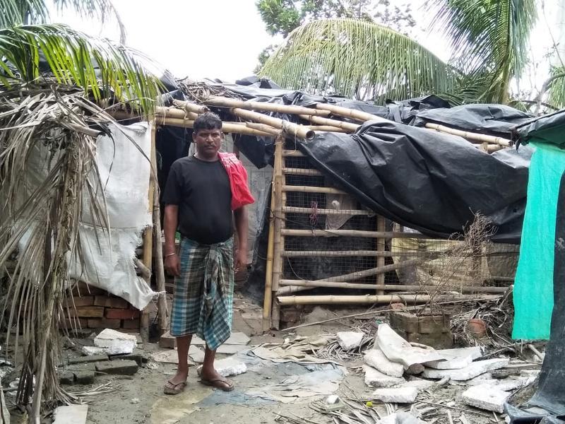 Zerstörung-Hütte-ohne-Dachplane