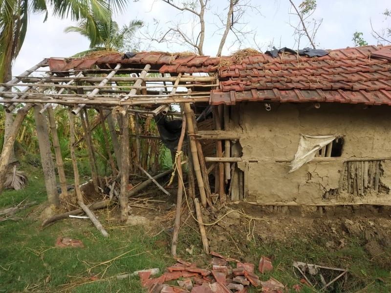 Zerstörung-Hütte-ohne-Dachziegel